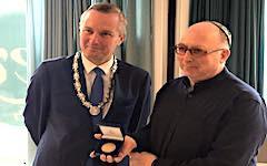 Oud-directeur Crescas krijgt Amsterdamse onderscheiding